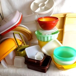 40 piece lot of vintage modern tupperware lot
